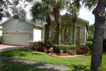 Home for Rent at 19459 S Whitewater Ave, Weston FL 33332
