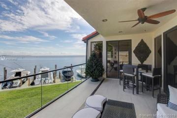 Home for Sale at 2000 S Bayshore Dr #39, Miami FL 33133