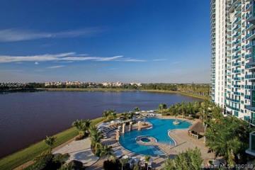 Home for Sale at 2641 N Flamingo Rd #TH7N, Sunrise FL 33323