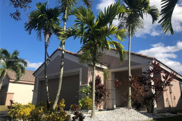 Home for Sale at 1524 Canary Island Dr, Weston FL 33327