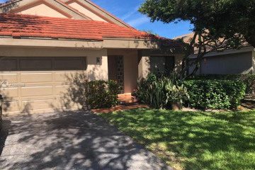 Home for Sale at 9741 NW 18 Ct, Plantation FL 33322