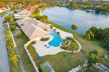 Home for Sale at 7248 NW 48th Ct, Lauderhill FL 33319