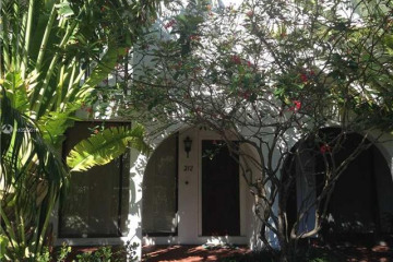 Home for Rent at 425 Grapetree Dr #212, Key Biscayne FL 33149