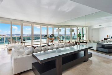 Home for Sale at 1000 S Pointe Dr #1903, Miami Beach FL 33139