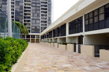 Home for Rent at 1865 Brickell Ave #THXI, Miami FL 33129