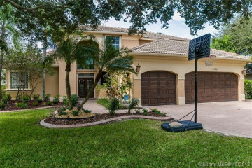 Home for Sale at 5026 NW 112th Way, Coral Springs FL 33076