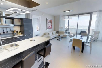 Home for Sale at 200 Biscayne Blvd. Way #4707, Miami FL 33131