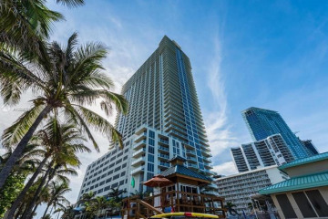 Home for Sale at 16699 Collins Ave #1507, Sunny Isles Beach FL 33160