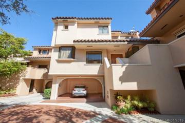 Home for Sale at 2000 S Bayshore Dr #51, Miami FL 33133