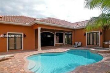 Home for Rent at 10280 Sweet Bay St, Plantation FL 33324