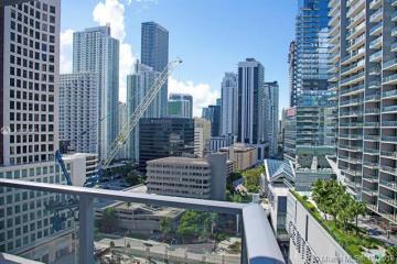 Home for Sale at 31 SE 6th St #2101, Miami FL 33131