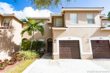 Home for Sale at 754 NW 132nd Ter, Plantation FL 33325