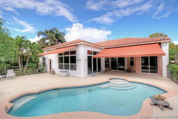 Home for Sale at 10086 SE Osprey Pointe Dr, Hobe Sound FL 33455