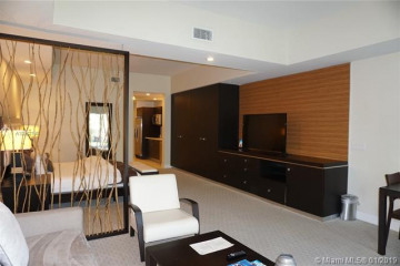 Home for Sale at 5300 NW 87th Ave #1505, Doral FL 33178