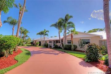 Home for Sale at 12903 SE Hobe Hills Dr, Hobe Sound FL 33455