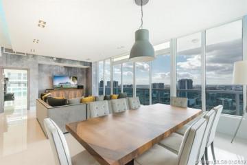 Home for Sale at 1800 N Bayshore Dr. #3715, Miami FL 33132