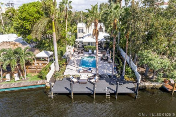 Home for Sale at 1024 SE 4th St, Fort Lauderdale FL 33301