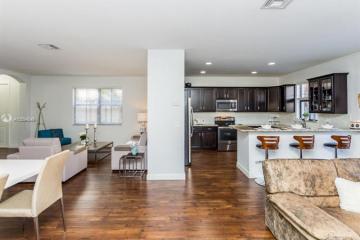 Home for Sale at 9629 Town Parc Cir S, Parkland FL 33076