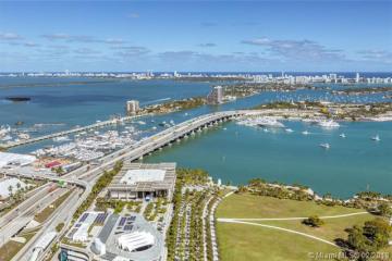 Home for Sale at 900 Biscayne Blvd #5208, Miami FL 33132