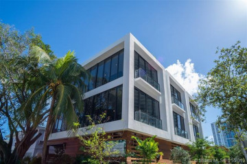Home for Sale at 1525 Bay Rd, Miami Beach FL 33139