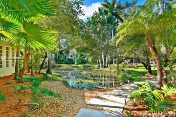 Home for Rent at 5440 Kerwood Oaks Dr, Coral Gables FL 33156