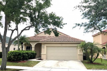 Home for Sale at 700 Vista Meadows Dr, Weston FL 33327