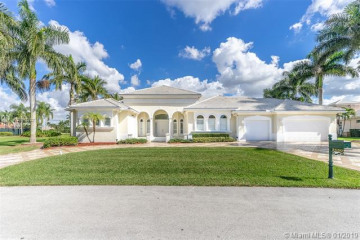 Home for Sale at 3150 W Stonebrook Cir, Davie FL 33330