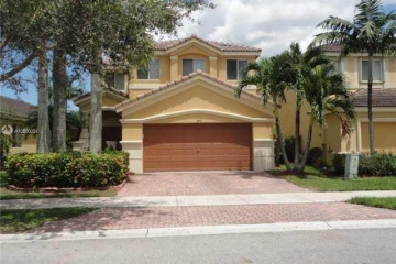 Home for Rent at 542 Conservation Dr, Weston FL 33327