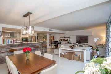 Home for Rent at 141 Crandon Blvd #345, Key Biscayne FL 33149