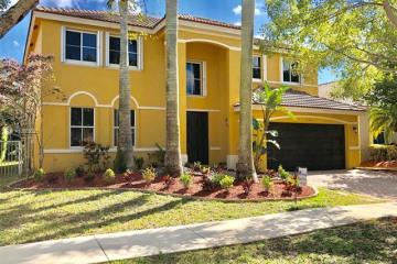 Home for Rent at 547 Penta Ct, Weston FL 33327