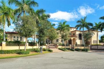 Home for Sale at 17625 SW 74th Pl, Palmetto Bay FL 33157