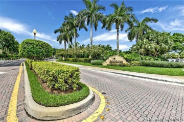 Home for Sale at 2255 Cordoba Bend, Weston FL 33327