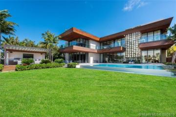 Home for Sale at 6440 N Bay Rd, Miami Beach FL 33141