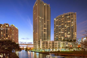 Home for Sale at 90 SW 3rd St #2404, Miami FL 33130