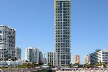 Home for Rent at 16699 Collins Ave #2805, Sunny Isles Beach FL 33160