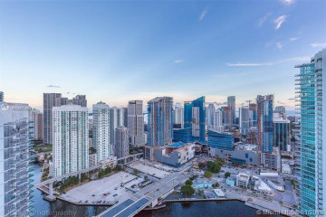 Home for Sale at 90 SW 3 St #4304, Miami FL 33130