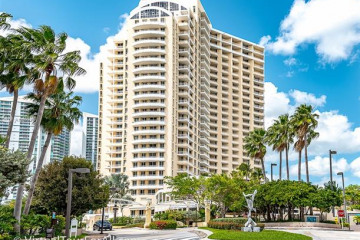 Home for Sale at 888 Brickell Key Dr #907, Miami FL 33131
