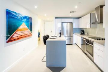 Home for Rent at 1600 NE 1 Av #3215, Miami FL 32132