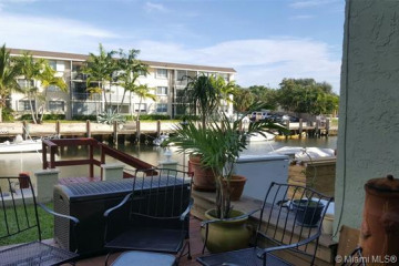 Home for Sale at 2117 NE 44th St, Lighthouse Point FL 33064