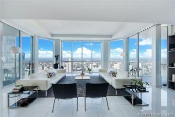 Home for Sale at 244 Biscayne Blvd. #PH4908, Miami FL 33132