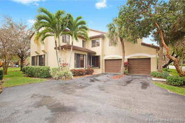 Home for Sale at 10510 NW 10th St #C-123, Plantation FL 33322