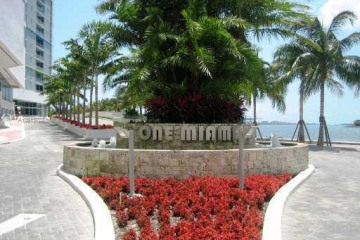 Home for Sale at 335 S Biscayne Blvd #4202, Miami FL 33131