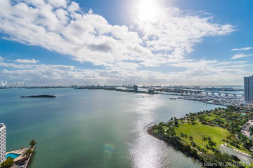 Home for Sale at 2020 N Bayshore Dr #2702, Miami FL 33137