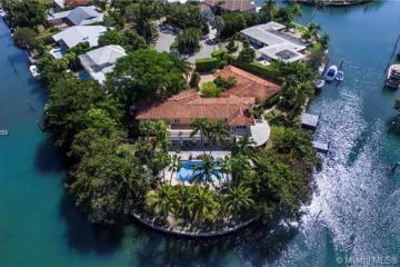 Home for Sale at 251 Knollwood Dr, Key Biscayne FL 33149