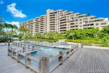 Home for Rent at 251 Crandon Blvd #331, Key Biscayne FL 33149