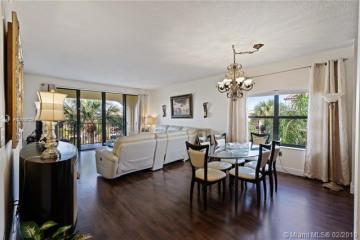 Home for Sale at 400 Uno Lago Dr #405, Juno Beach FL 33408