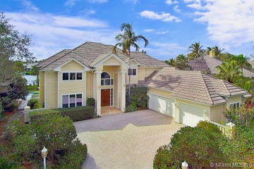 Home for Sale at 18169 SE Ridgeview Dr, Tequesta FL 33469
