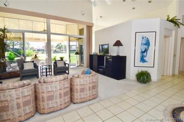 Home for Rent at 2011 NW Laurel Oak Ln #21, Palm City FL 34990