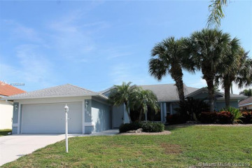 Home for Sale at 584 W Cypress Dr, Tequesta FL 33469
