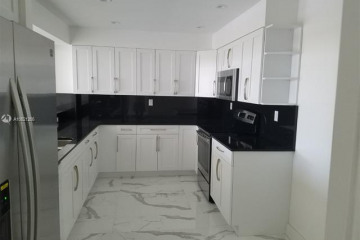 Home for Rent at 151 Crandon Blvd #441, Key Biscayne FL 33149